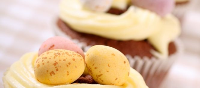 Paascakejes Met Advocaat recept   Smulweb.nl