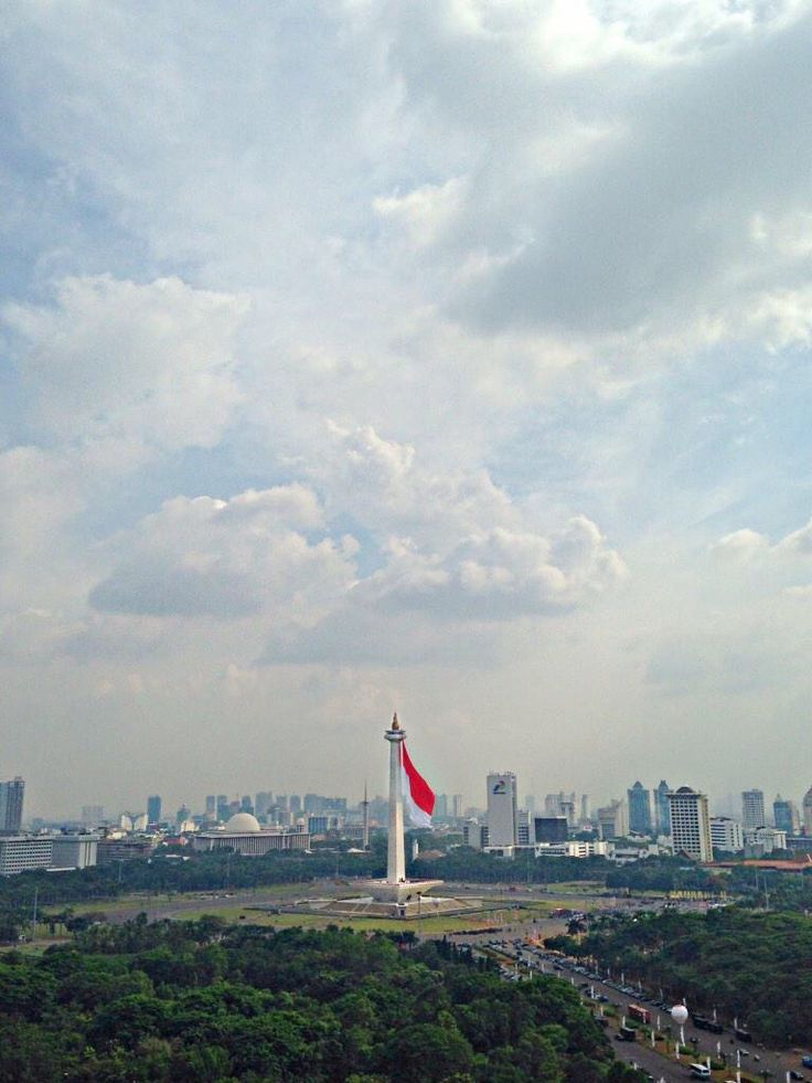 Giant Indonesian flag on Monument National