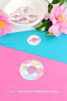 Make   give | Polka dot envelope seals