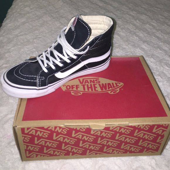 Sk-8 hi vans Like new only used 2 times Vans Shoes