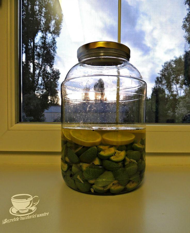 lichior, lichior de nuci, retete bauturi, zahar, nuci verzi, retete cu nuci verzi
