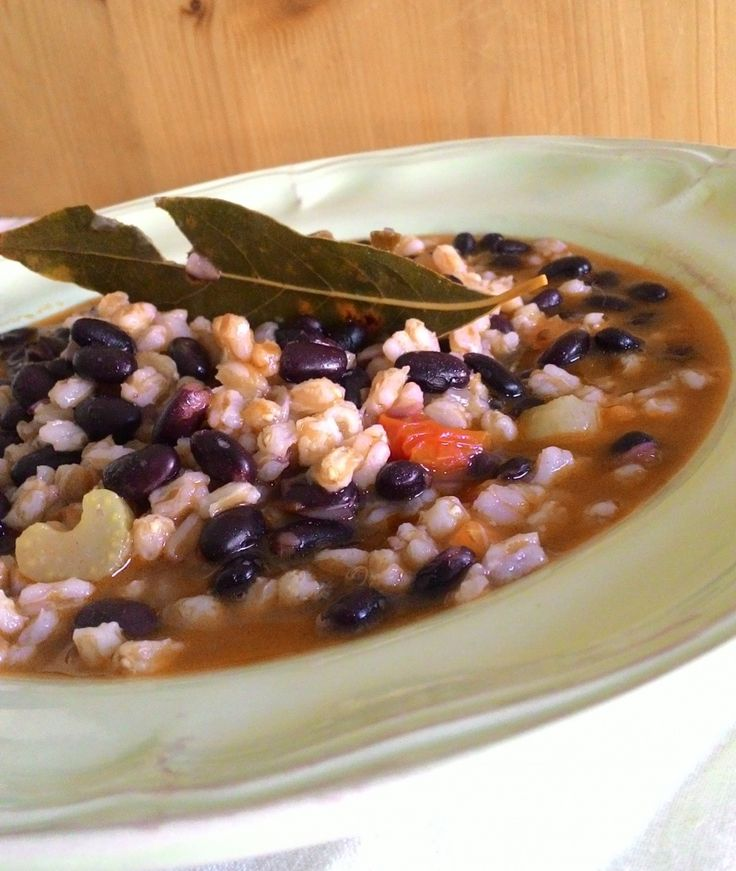 zuppa di farro e fagioli neri