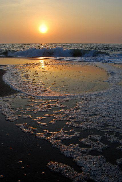 Sunrise, Bethany Beach, Delaware http://www.vacationrentalpeople.com/vacation-rentals.aspx/World/USA/Delaware