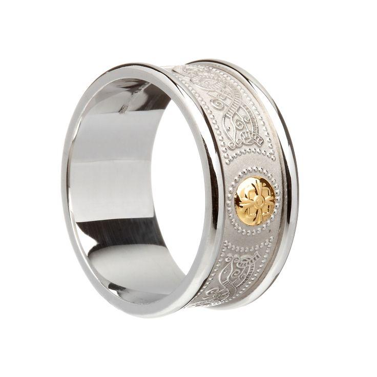Celtic Shield Band Gold Boss & Heavy Silver Rims #houseoflor #irishjewelry #irishgold #ring #sterlingsilver #arda #handmade #celticjewelry