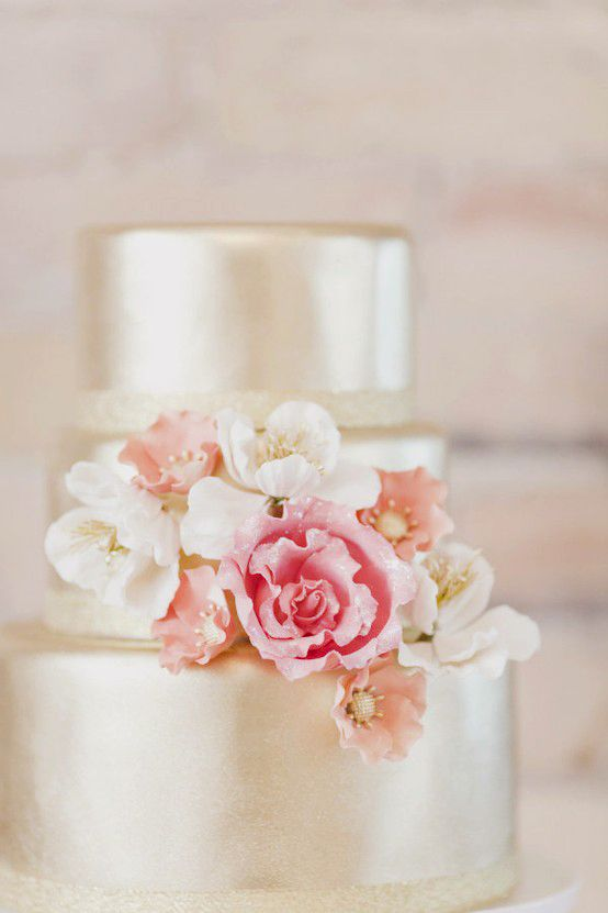 pretty: Ideas, Pink Flowers, Metals Cakes, Dreams, Weddings, Wedding Cakes, Gold Cakes, Gold Wedding, Weddingcak