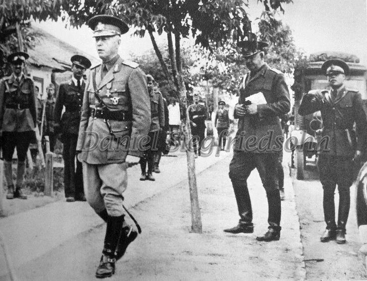 https://flic.kr/p/J5uWaN | 39. Antonescu într-un sat din Basarabia