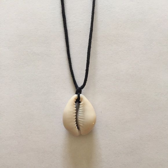Adjustable Cowrie Choker New Adjustable necklace Cowrie Shell Choker Black leather cord *One size fits most Brandy Melville Jewelry Necklaces