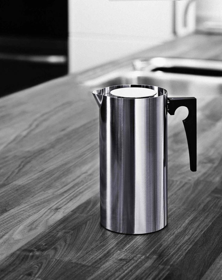 AJ Coffee Press from Stelton. Design by Arne Jacobsen: morning coffee