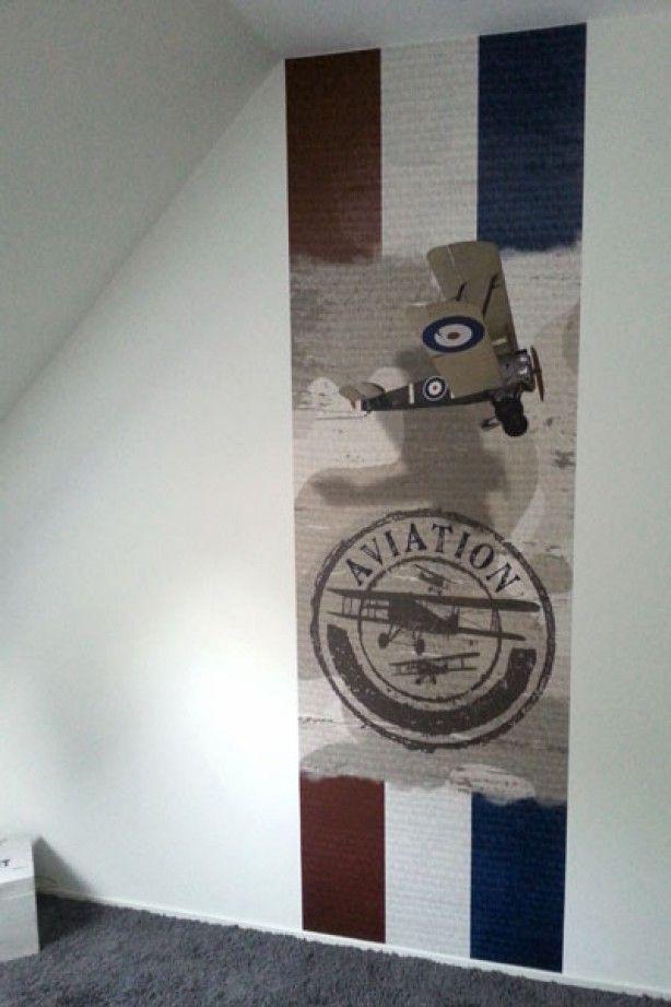 Stoer muursticker vliegtuig idee voor de jongenskamer.