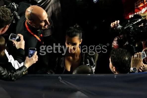 http://forum.purseblog.com/celebrity-news-and-gossip/the-kim-kardashian-thread-531966-212.html