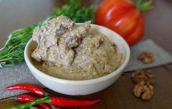 Приготовление говядины с грецкими орехами и специями по-аджарски. Грузинская кухня: Яхни Acharuli Iakhni იახნი