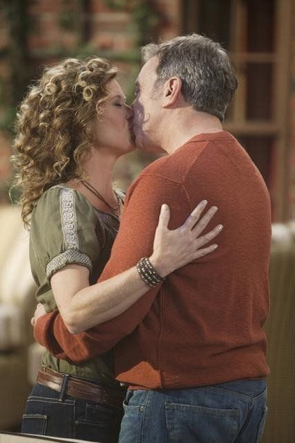 Still of Tim Allen and Nancy Travis in Last Man Standing (2011)