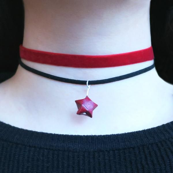 This origami geo choker necklace follow the geometric trend and approach to the new style of origami craft.  - Matching earrings are also available here. - Mate