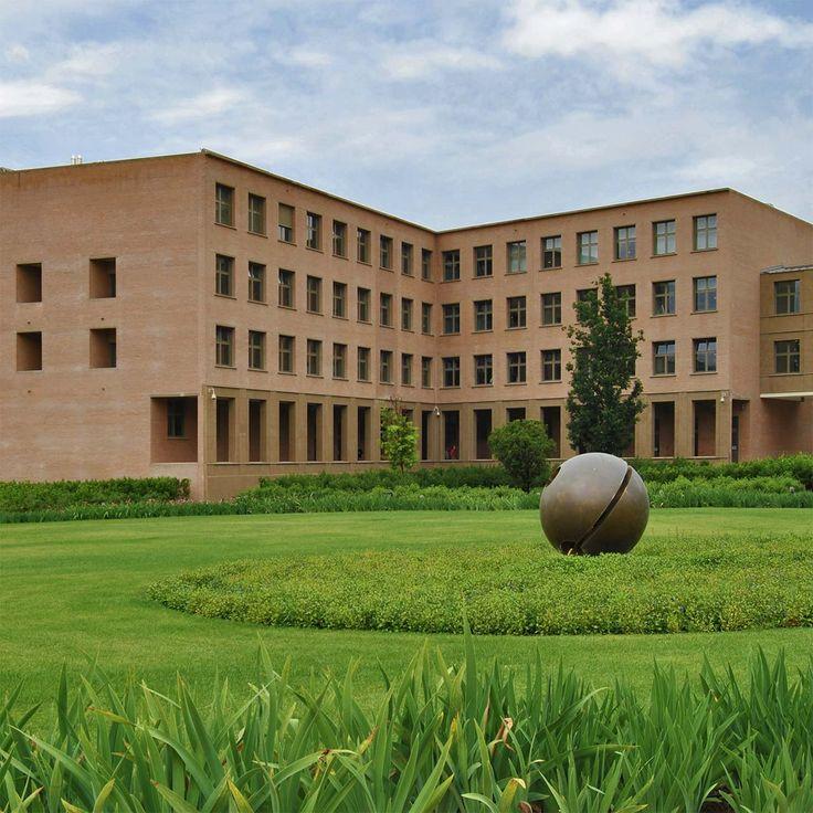 Giorgio Grassi | Sede de la Banca CR | Florencia, Italia | 2008
