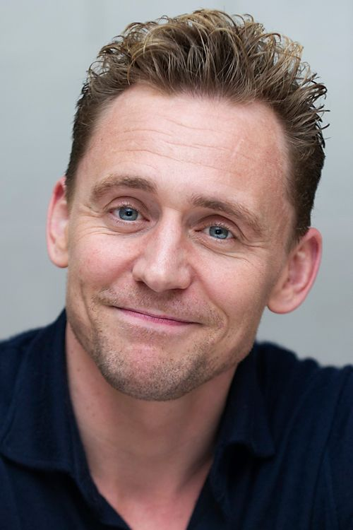 Tom Hiddleston, who stars in the mini series 'The Night manager', attends a Press Junket at the London Hotel in West Hollywood, CA, on March 21, 2016. Full size image: http://i.imgbox.com/KipvlEBn.jpg Source: Torrilla, Weibo