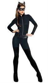 #Catwoman kostuum bestaande uit de jumpsuit met ritssluiting aan de voorkant, de beenstukken (deze zitten aan de jumpsuit vast), de riem en het oogmasker.