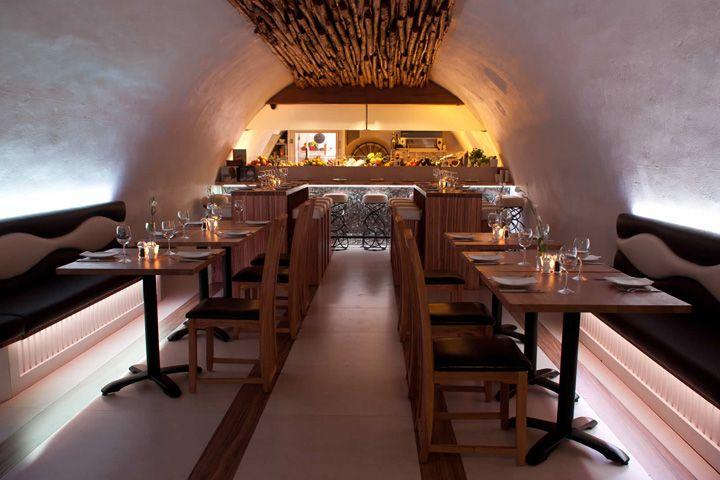 La Perla restaurant by InStyle LED Lighting, Bath – UK