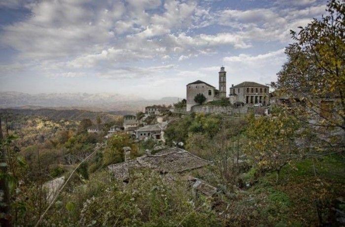 Ο άγνωστος «παράδεισος» των Ιωαννίνων: Ένα κουκλίστικο χωριό που ελάχιστοι γνωρίζουν