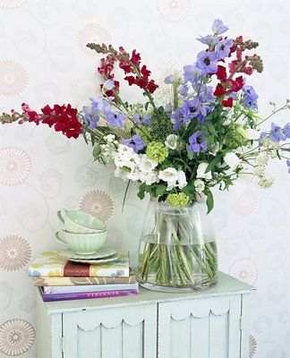 Swedish flower arrangement :: Free flowing flowers in reds, whites, and blues ::  Memorial Day or 4th of July Decorating Ideas