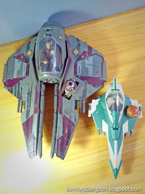 "And here's a size comparison between Yoda's Jedi Attack Fighter and Obi-Wan Kenobi's Eta-2 Actis-class Light Interceptor - note the ill fated little R4-P17 in the droid slot. Speaking of droids, Yoda's Jedi Attack Fighter has an R2 unit head that can be removed and attached to any ""Assemble a droid"" R2 unit. Or you can just leave it there."