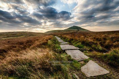 The path to Shuttlingsloe