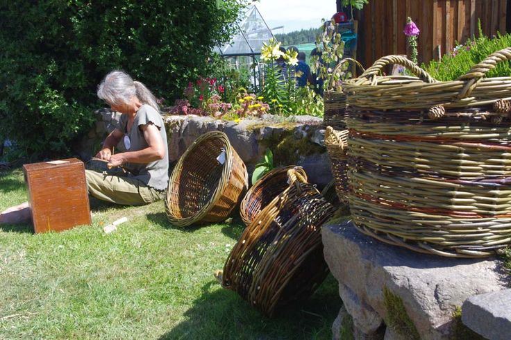 Susan makes baskets on the open day 2013.