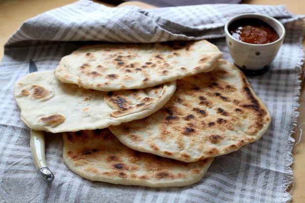 Receita passo a passo: como fazer naans, o famoso pão indiano