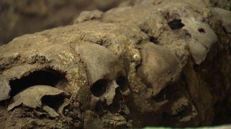 07/02/2017 - Uncovered tower of skulls reveals dark Aztec history