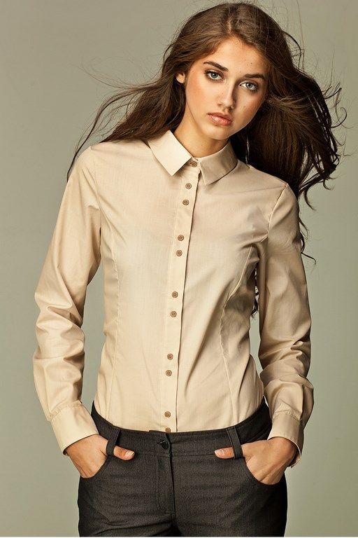 Beżowa koszula damska idealna do pracy