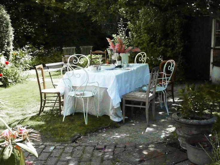 Garden appropriate for a lot of people: Giardini Gardens, Living Outdoor, Garden Appropriate, Lot, Garden Parties, Table, Garden