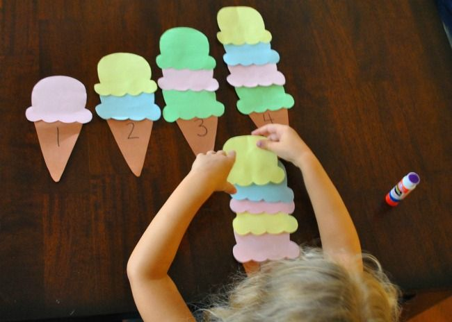 Ice cream scoops. Ages 2 to 5 years old. (M. 1.16) Line up objects. (M. 1.17) Identify which is more (visually, tactilely, or auditorilly).