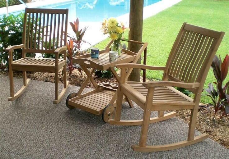 leichte holz terrasse st hle mit rollen couchtisch und tablett perfekt f r den fr hling legt. Black Bedroom Furniture Sets. Home Design Ideas