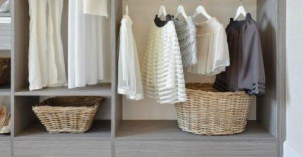 Τι πιο όμορφο από το να αναδύει μια υπέροχη μυρωδιά η ντουλάπα σας και τα ρούχα που βρίσκονται μέσα σε αυτήν… Δείτε πώς θα την κάνετε να μοσχομυρίζει με 4