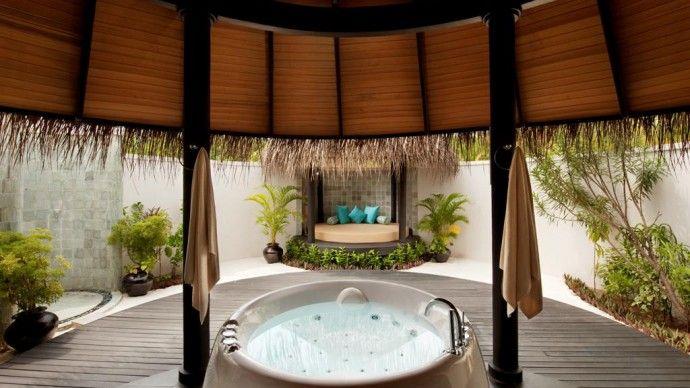 Riposo e relax nel paradiso di un'isola tropicale con vista mozzafiato sull'Oceano indiano al The Sun Siyam Iru Fushi*****. #maldive #spiaggia #relax #sole #benessere #lusso