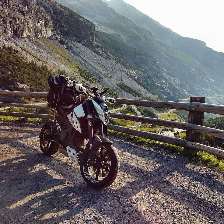 Had an awesome day yesterday riding Stelvio and my first taste of Switzerland. Going up Stelvio (north to South) I didn't think it was too great but going down and back up the south side to then to go down the east side was absolutely great!  #ktm #690 #duke #ktmduke #dukearmy #ktmduke690 #duke690 #690duke #ktm690 #lc4 #myktm #streetbike #nakedbike #bikepic #bikeporn #trip #tour #touring #travel #traveling #adventure #austria #mountains