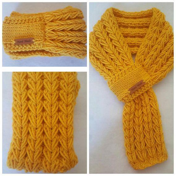 Les 26 meilleures images du tableau echarpe sur pinterest echarpe tricot la main et tricots - Tricot a la main ...
