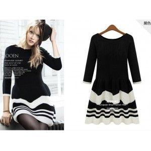 flounced striped knited dress-black