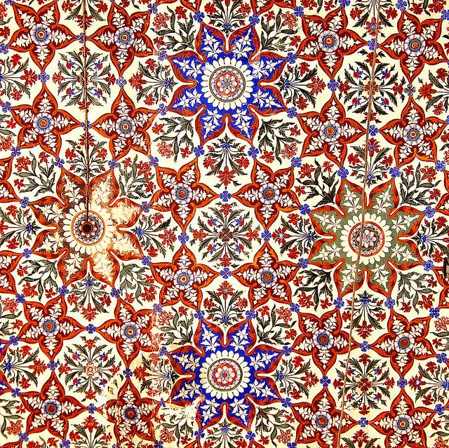 Islamic patterns: Rawalpindi, Pakistan   detail from ceiling of the main mosque in Rajah Bazaar, the old part of Rawalpindi, Pakistan.  eight-point Islamic star,