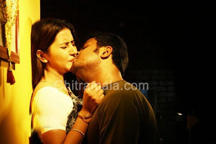 hot-pics-from-shanthi-movie001