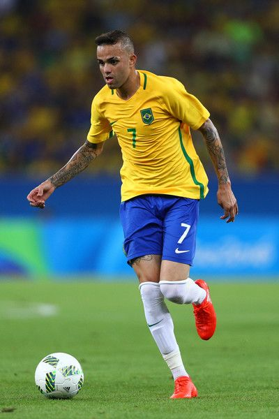 Luan Photos Photos - Luan of Brazil in action during the Men's Football Final between Brazil and Germany at the Maracana Stadium on Day 15 of the Rio 2016 Olympic Games on August 20, 2016 in Rio de Janeiro, Brazil. - Brazil v Germany - Final: Men's Football - Olympics: Day 15
