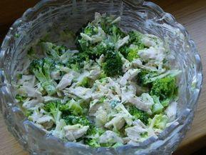 Brokolicový salát s kuřecím masem | NejRecept.cz