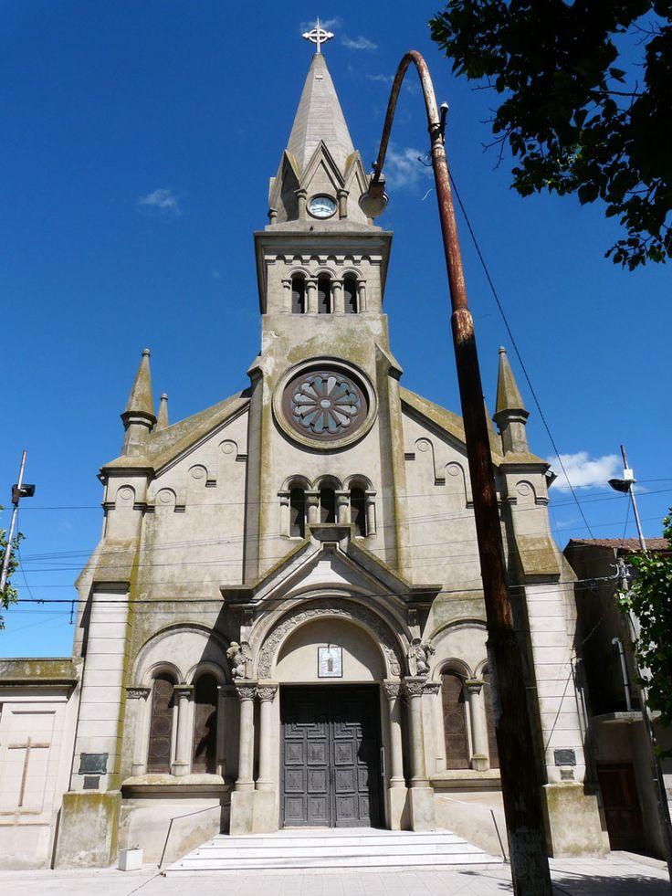 Iglesia Nuestra Señora del Carmen, calle Aristóbulo del Valle 50, Loberia, Buenos Aires