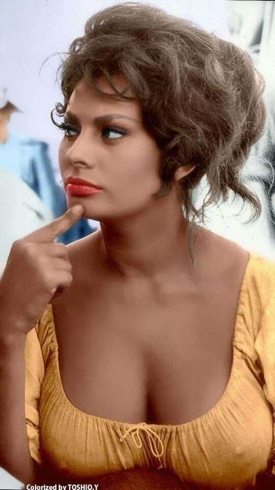 Sophia Loren.   View full size:  https://s-media-cache-ak0.pinimg.com/originals/75/ae/5c/75ae5c7644f4fde13f48af98979f02ba.jpg