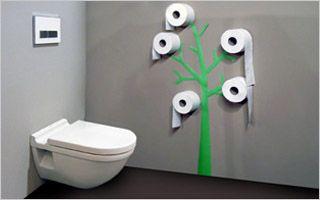 Hang je rollen wc-papier tegen de muur
