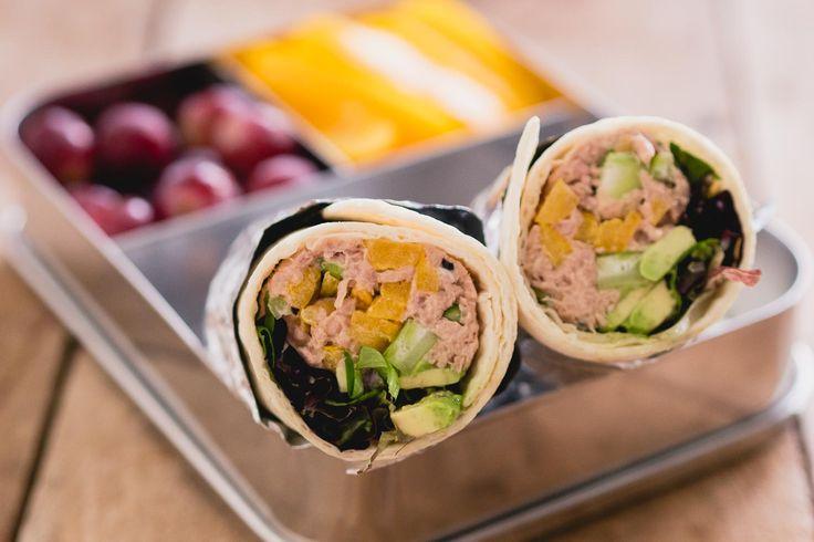 De eerste keer dat ik wraps vulde met tonijnsalade was voor een hapje, de tonijnsalade wrap hapjes. Lange tijd is dat veruit het populairste artikel op The answer is food