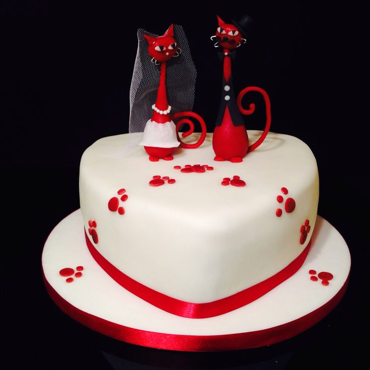 Wedding cake with cats