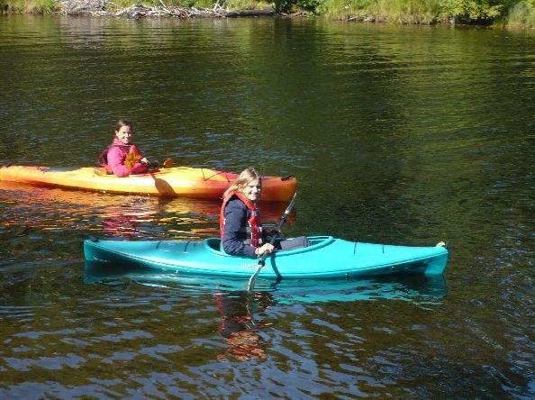 """Foto des Tages: Laureen #highschoolyear #kanada - """"Das erste Wochenende, das ich hier verbracht habe, sind wir zu meinen 'Gastgroßeltern' an einen See gefahren, der ca. 2 1/2 Autostunden von hier entfernt ist. Dort sind wir nach Waskesieu (ein klitzekleines Dörflein) gefahren, sind durch den Prince Albert National Park gefahren, haben eine Kajaktour auf dem See gemacht usw... Das war ein schönes Wochenende!"""""""