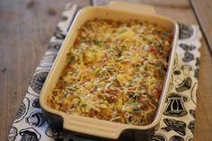 OVENSCHOTEL; aardappeltjes, gehakt, knoflook, prei, paprika & kaas....mmmm!