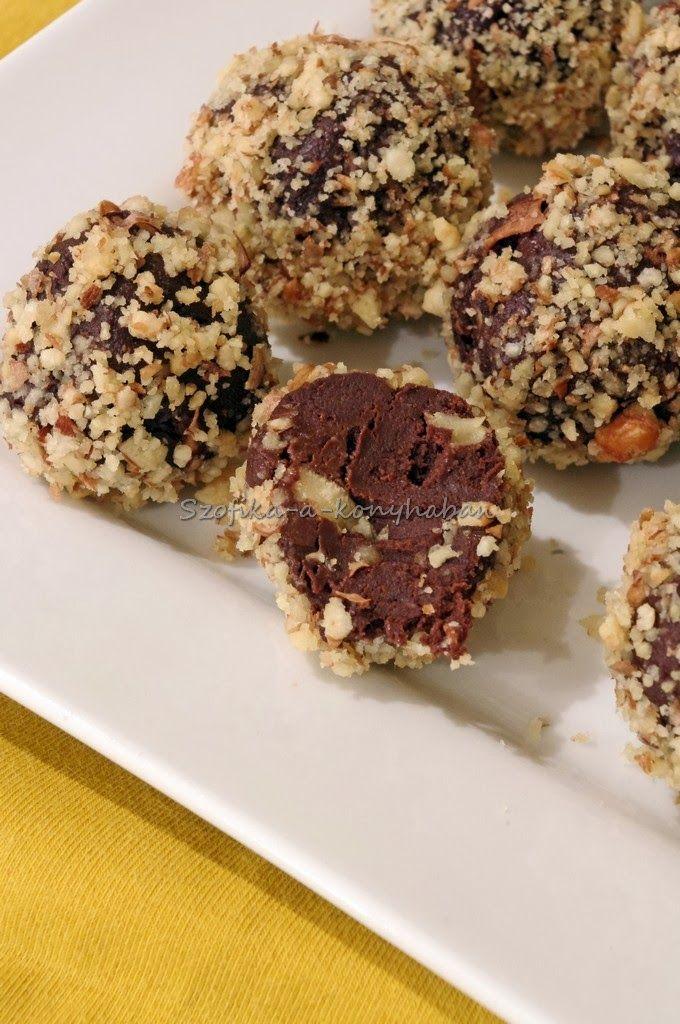 Szofika a konyhában...: Rumos-diós csokigolyóbis