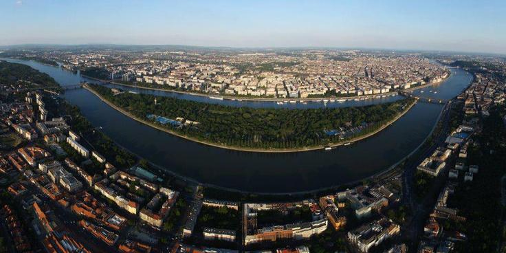 BIG Smiley Budapest :) view on Fb https://www.facebook.com/BudapestPocketGuide credit: Szabi Sarkozi #budapest